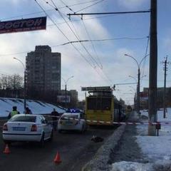 У Сумах тролейбус насмерть задавив 17-річну дівчину
