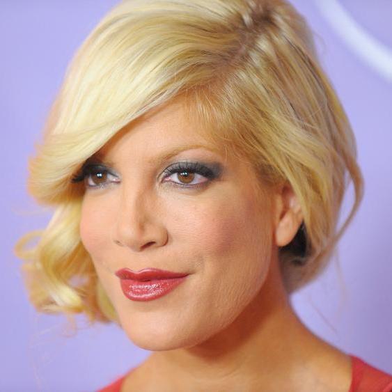 42-річна зірка «Району Беверлі-Хіллз» показала фото без макіяжу