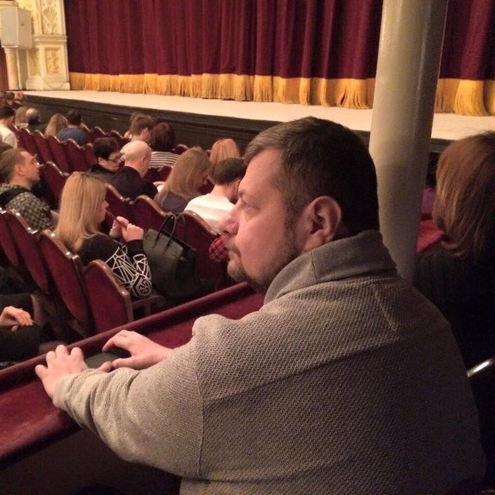 Ігор Мосійчук порекомендував українцям сходити в театр