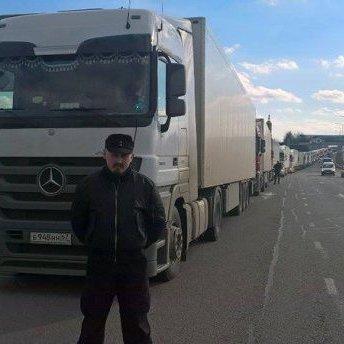 Кабмін скликає екстрене засідання через блокаду вантажівок