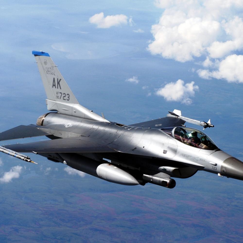 Польща хоче патрулювати небо над Сирією винищувачами F-16