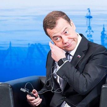 Вчинок дипломата: Медведєв забрав назад свої слова про холодну війну