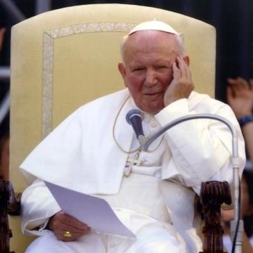 Сьогодні BBC покаже фільм про таємне листування Івана Павла ІІ з жінкою