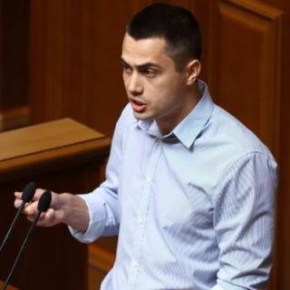 Нардеп прокоментував прийняття скандального закону про мандат депутата