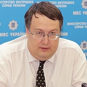 Геращенко окреслив подробиці суду над обвинуваченим у вбивстві поліцейським