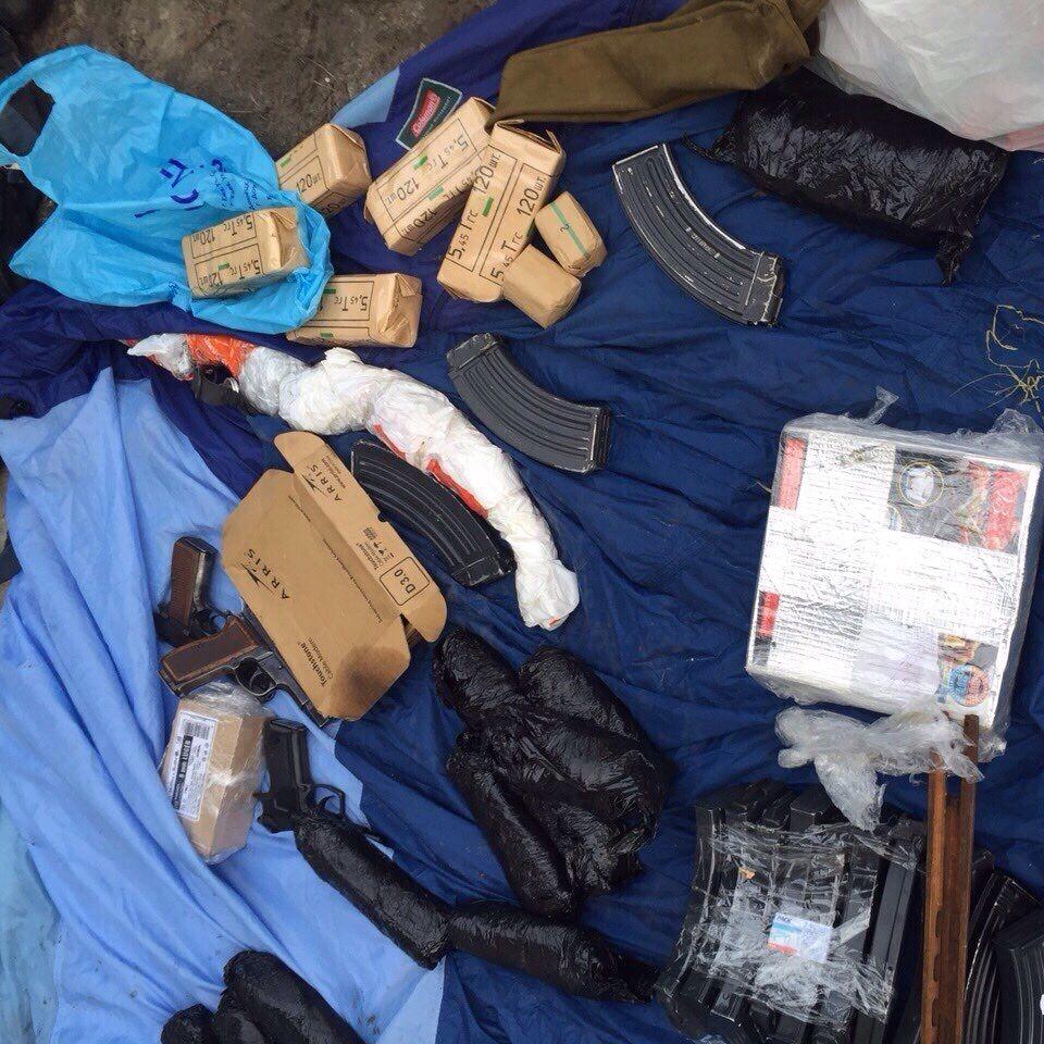 У Київській області чоловіки намагалися продати 9 гранатометів