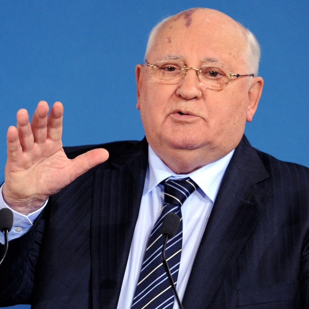 Горбачов поставив на місце Михалкова