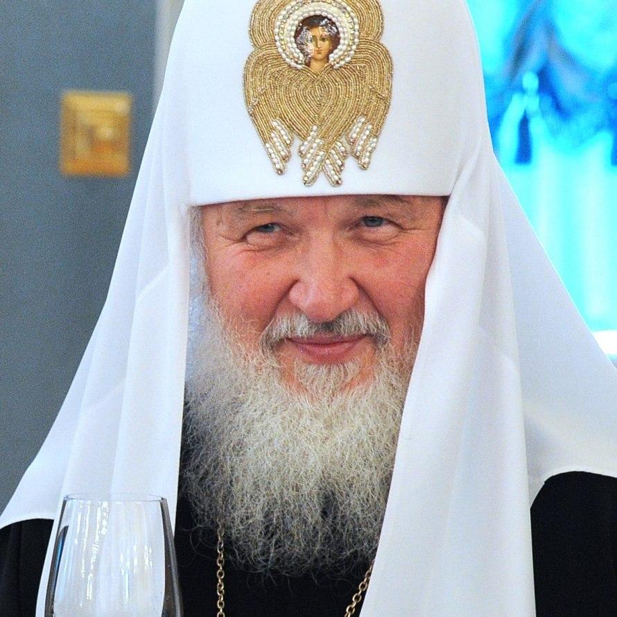 «Я вірю в потойбічне життя», - Патріарх Кирило про руйнування скла у літаку під час польоту
