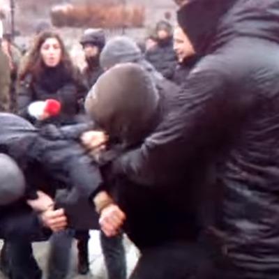 Затримані за бійку на Майдані знаходяться у відділенні поліції