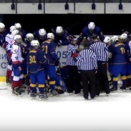 Український хокеїст завадив трагедії під час матчу