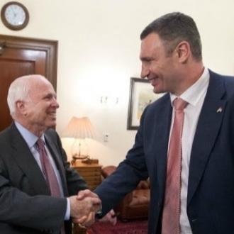 Віталій Кличко у Вашингтоні зустрівся з Нуланд та Маккейном