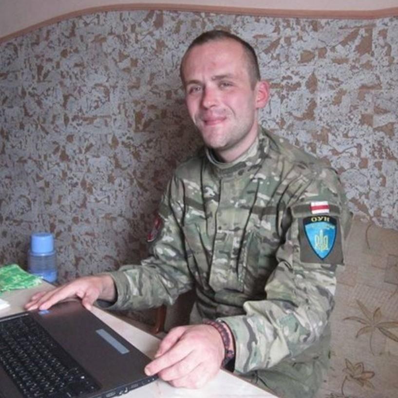 Білоруса з батальйону ОУН затримали за погром офісу Ахметова та «Альфа-банку»