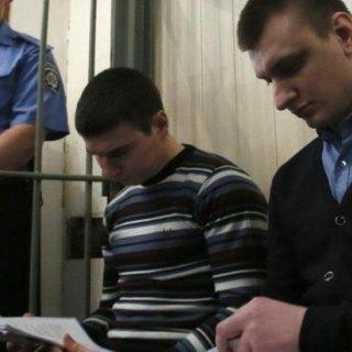 Суд не відпустив «беркутівців», яких підозрюють у розстрілі Майдану