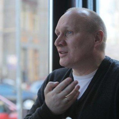 Комбата «ОУН» викликають на допит через погроми російських банків
