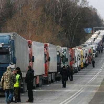 Кабмін дозволив транзит російських фур через Україну