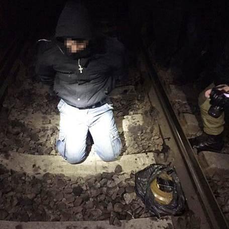Екс-міліціонер намагався підірвати пасажирський потяг на Харківщині