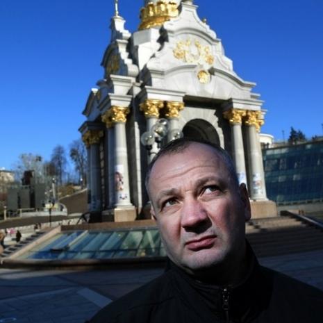 У Львові СБУ обшукує будинок майданівця, який зізнався у вбивстві «беркутівця»