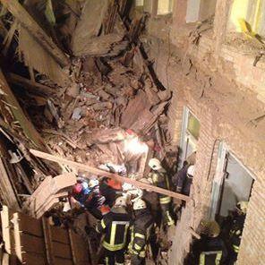У ДСНС уточнили інформацію щодо обвалу перекриттів у будинку в Києві