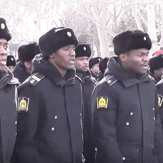 Мережу підірвало відео виконання гімну Севастополя темношкірими моряками (ВІДЕО)