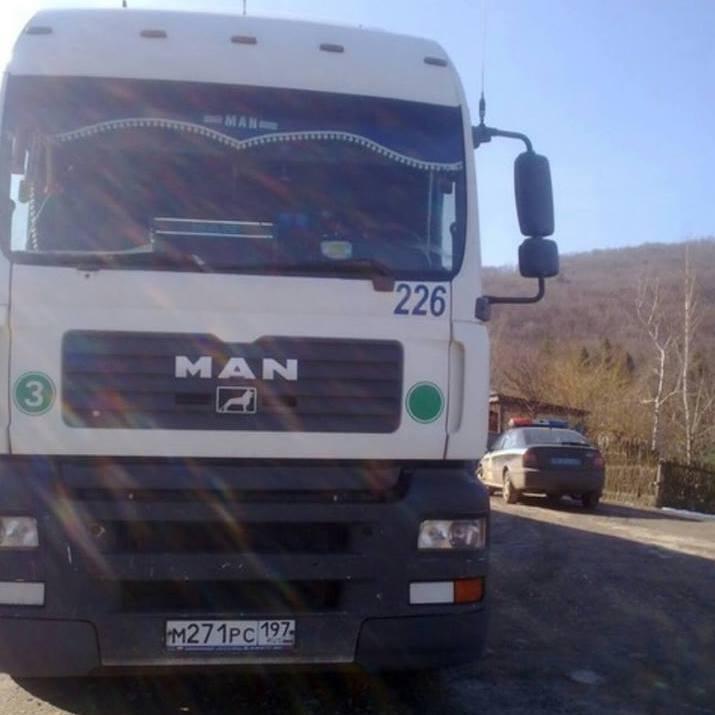 Українська поліція супроводжує російські фури, - Аронець