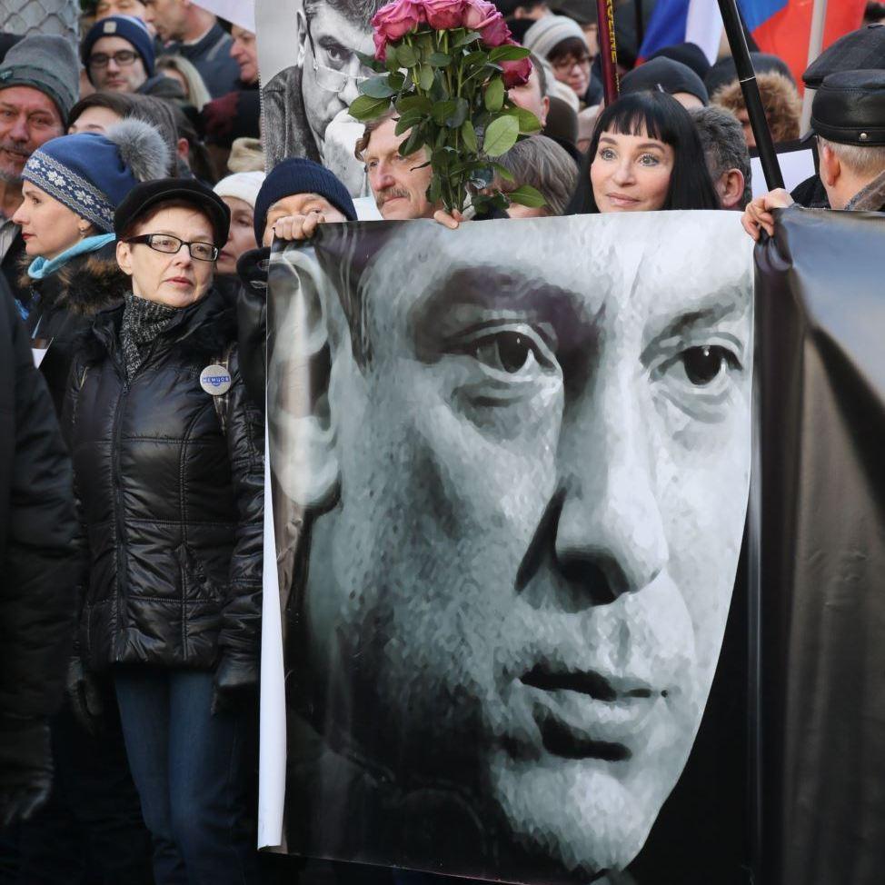 У річницю загибелі росіяни вшанували Бориса Нємцова (фоторепортаж)