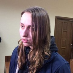 Подругу Краснова відпустили під «нічний» домашній арешт