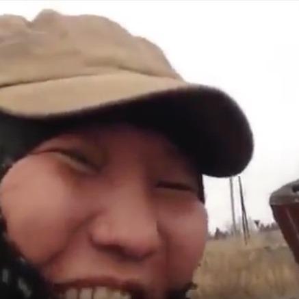 «Сидимо на позиціях, чекаємо на укропів»: з'явилося нове відео з «шахтарями-бурятами» на Донбасі (ВІДЕО)
