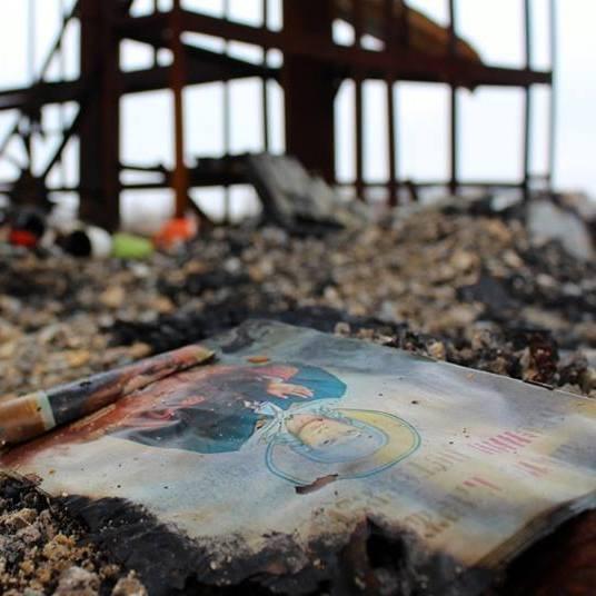 Фотограф показав зруйнований храм на Донбасі (фото)