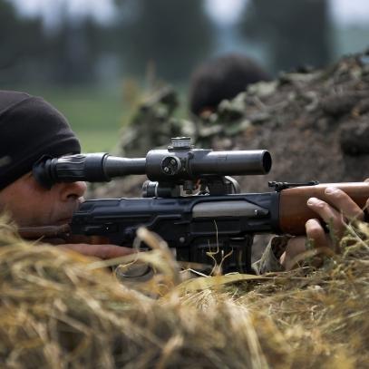 За українськими бійцями полює професійний снайпер-вбивця (ВІДЕО)