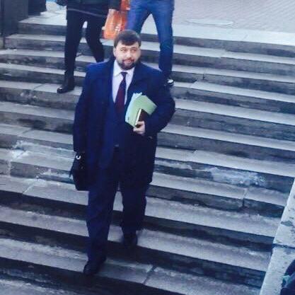 Одного з ватажків «ДНР» помітили в Москві, коли він виходив від Путіна (ВІДЕО)