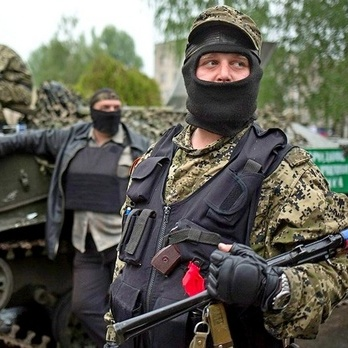 Російських військових нагородили віджатими квартирами у «ДНР»