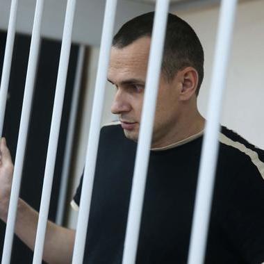 Росія може передати Україні режисера Сєнцова