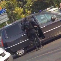 У передмісті Парижу захоплений ліцей - французькі ЗМІ (ФОТО)