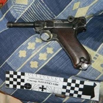 У Києві пенсіонер вистрелив із пістолета собі в голову