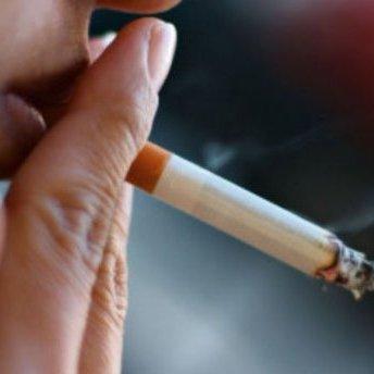 Стало відомо, скільки українців умирає від куріння