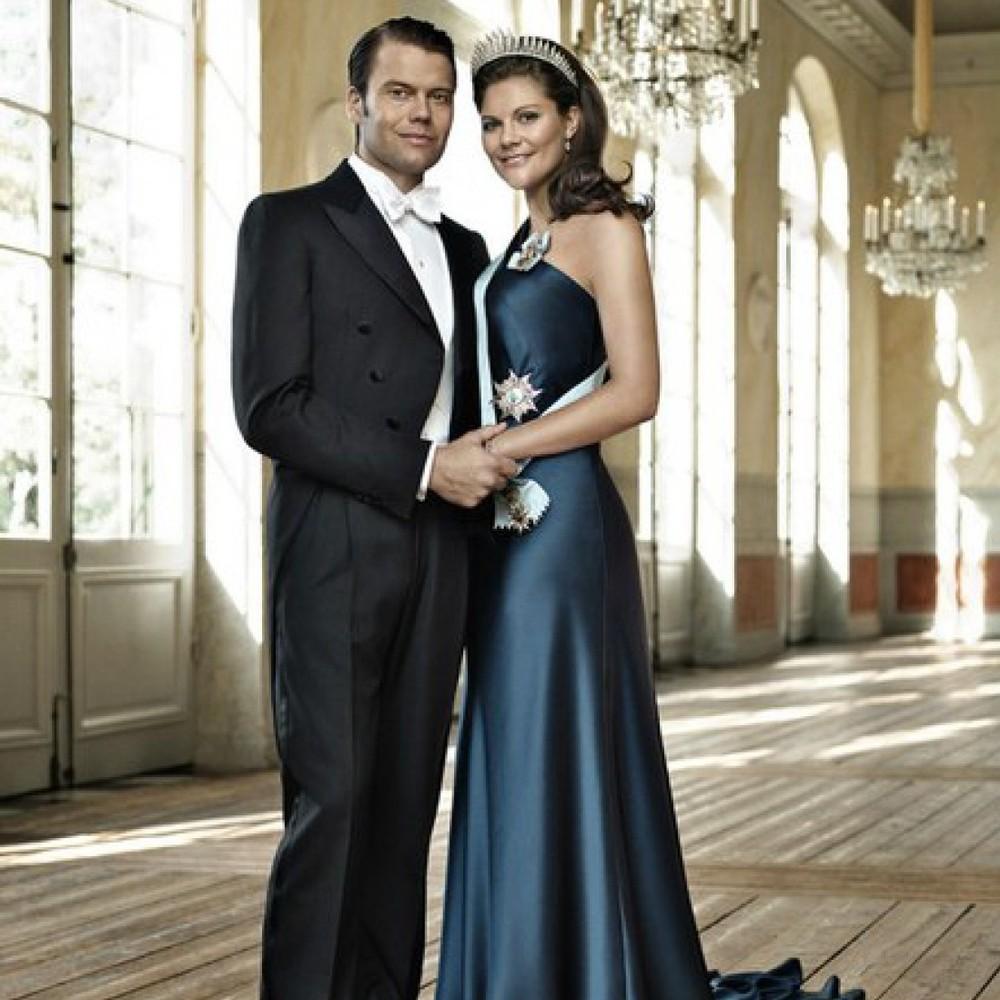 Кронпринцеса і принц Швеції показали перше офіційне фото сина