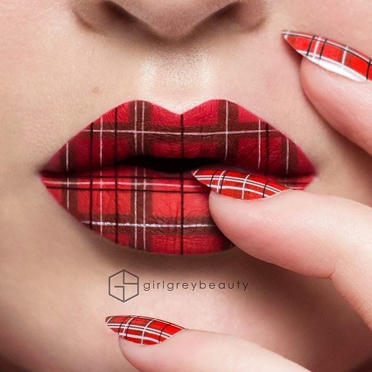 Малюнки на губах стали новим модним трендом (фото)