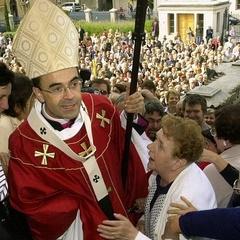 Колишні бойскаути, що постраждали від священика-педофіла, вимагають аудієнції у Папи Римського