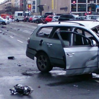У Берліні на заповненій трасі вибухнув автомобіль, поліція каже про теракт