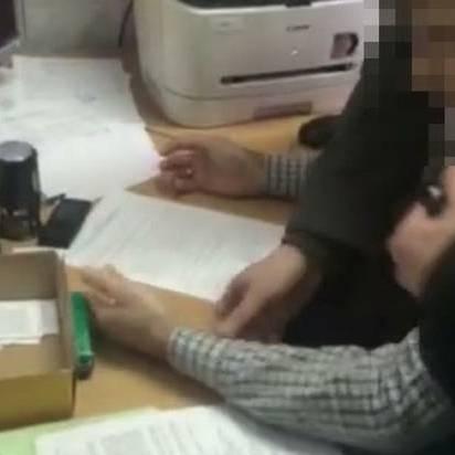 СБУ затримала на хабарі чиновника, що допомагав бізнесменам відправляти експортну продукцію (ФОТО+ВІДЕО)