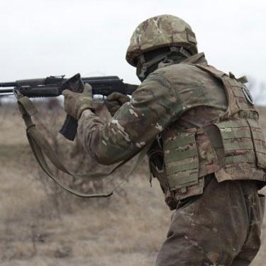 У зоні АТО український військовий підірвався на розтяжці