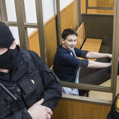 Надію Савченко засудили на 22 роки позбавлення волі