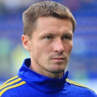 Головний тренер збірної України озвучив імена викликаних на гру футболістів