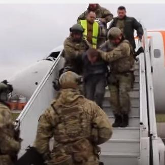 З'явилося відео затримання росіянина, який погрожував підірвати рейс «Дубаї-Київ»