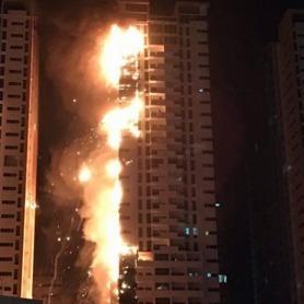 В ОАЕ горить житловий хмарочос (відео)