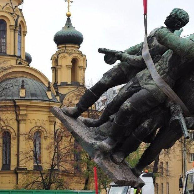 У Польщі знесуть пам'ятники радянської епохи