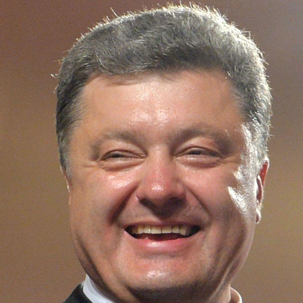 Стало відомо, скільки насправді доходів у президента Порошенка