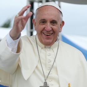 Папа Римський збирає гуманітарну допомогу для України