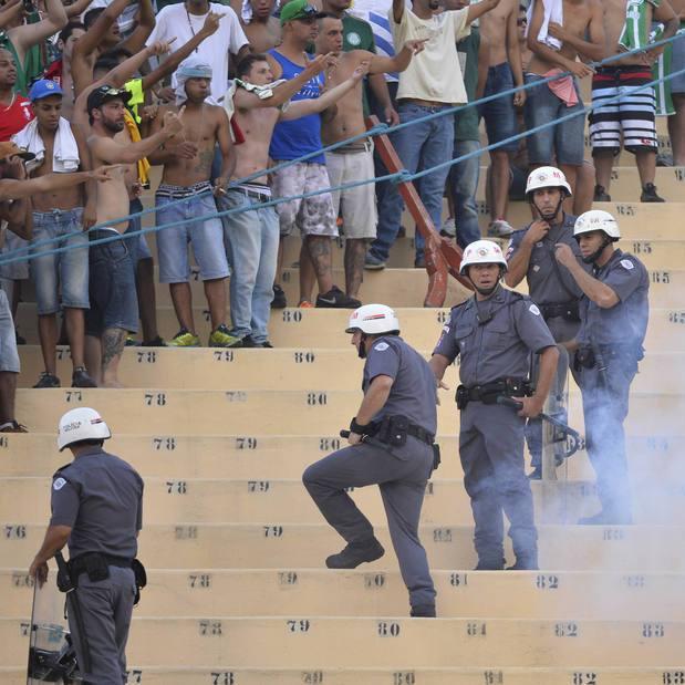 Одна людина вбита в результаті бійки фанатів футбольних клубів