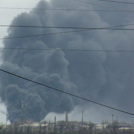 У Краснодоні підірвали цистерни з паливом для бойовиків (ФОТО+ВІДЕО)